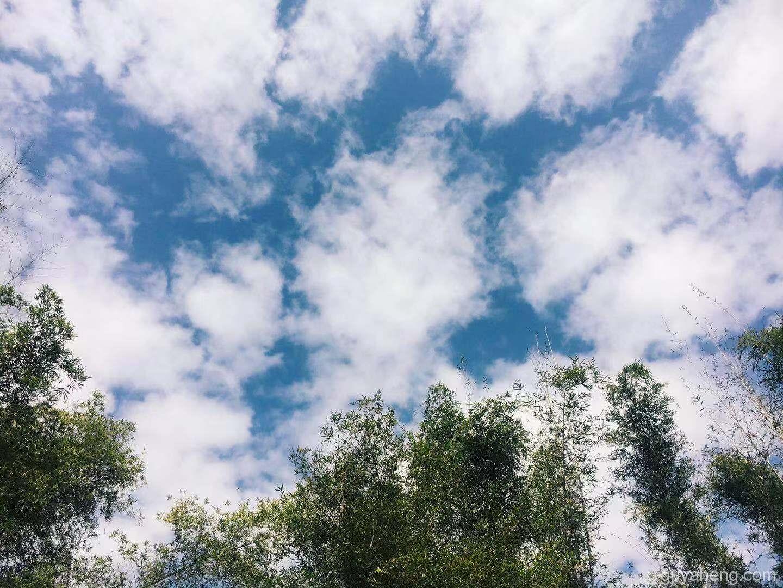 你看这天空透不透彻?