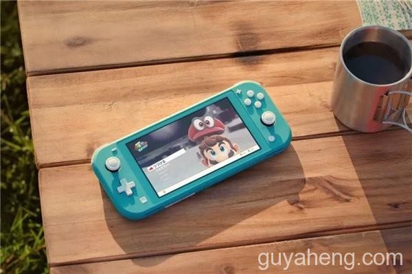 《任天堂官宣3月20日发售Switch Lite珊瑚色主机,这售价你能接受吗?》